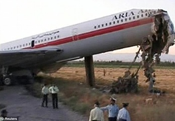 pesawat Iran jatuh lagi